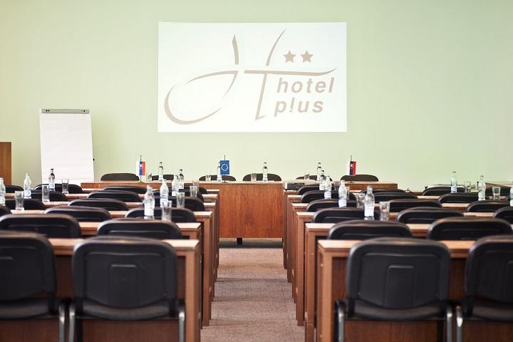 Hotel Plus, Bratislava, Dovolenka na Slovensku
